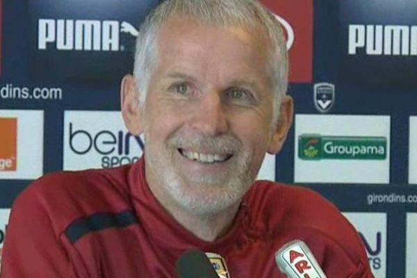 L'entraîneur était tout sourire lors de la conférence de presse organisée à l'occasion de ce dernier entraînement avec les Girondins de Bordeaux.