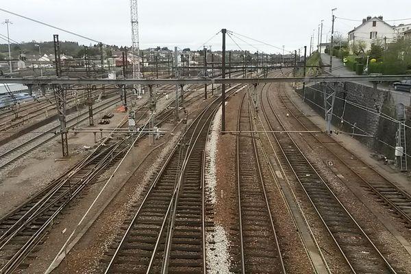 La gare de Limoges ne verra pas passer de trains Railcoop avant début 2023.