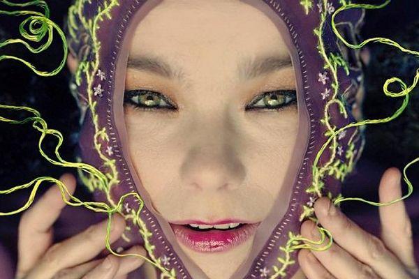 """La chanteuse Björk sort un nouvel album """"Vulnicura"""" et jouera en France à la Route du Rock"""