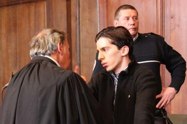 Yacine Sid et son avocat après le verdict
