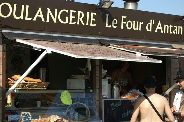 Le boulanger d' Evette s'est installé en face du camping des Eurockéennes