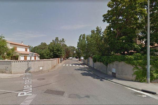 Un couple de septuagénaires a été retrouvé décédé par leur fils dans leur maison de Narbonne, située rue des Peupliers, le 10 février.