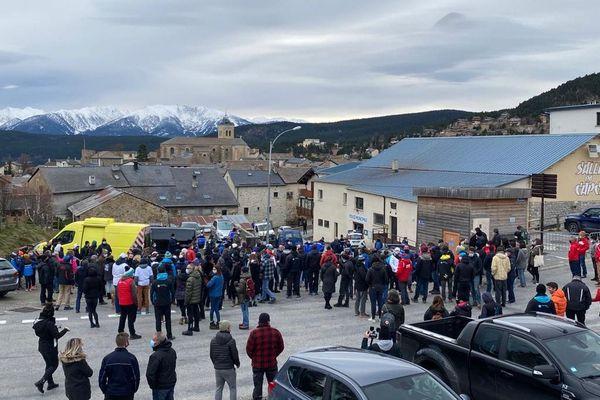 Aux Angles, environ 150 professionnels de la montagne se sont déplacés pour rencontre le préfet, en visite ce mardi 1er décembre.