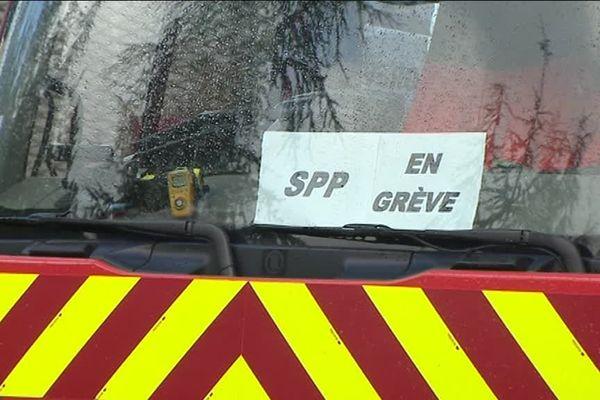 Les sapeurs-pompiers de Côte-d'Or sont mobilisés depuis le début de l'été pour plus d'effectifs et de moyens.