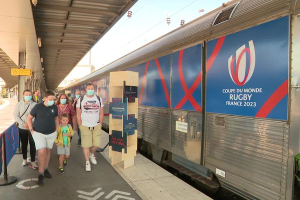 Le train de la Coupe du monde de rugby 2023 a fait escale à Amiens samedi 13 septembre 2020