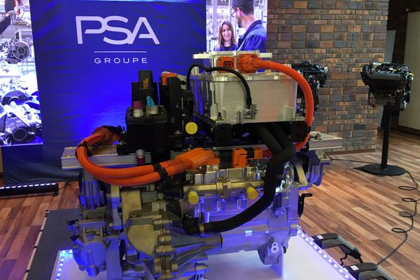 Le nouveau moteur électrique PSA fabriqué à Trémery.