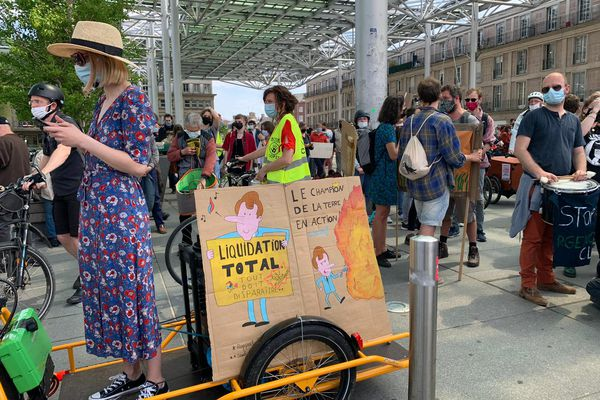 Une pancarte à la marche pour le climat à Amiens.