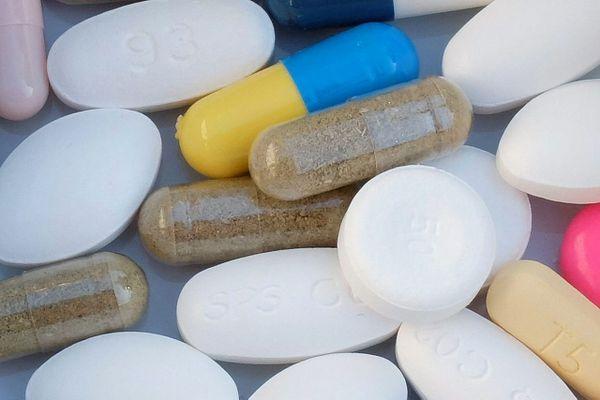 Illustration. De nombreux médicaments sont indiqués dans le traitement et/ou la prévention de la carence en vitamine D.