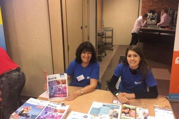 Frédérique et Clara, les deux déléguées du Rhône de l'association AFSEP assurent l'écoute et le soutien des victimes de sclérose en plaque