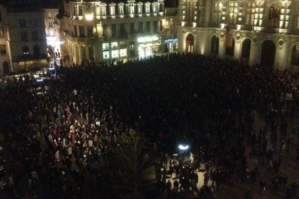 Sur la place de l'Hôtel de Ville à Poitiers, le rassemblement mercredi 7 janvier à 18h.