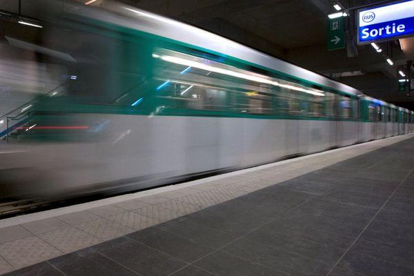 """""""Aujourd'hui, les grillons ont plus ou moins disparu"""" dans le métro parisien, selon la RATP (illustration)."""