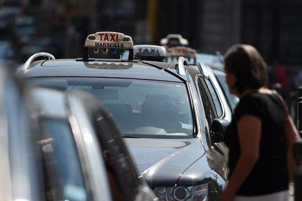 Plusieurs chauffeurs d'UberPOP ont porté plainte ces derniers jours après avoir été agressés par des chauffeurs de taxi à Strasbourg, Nice ou Lille.