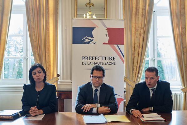 Le préfet de Haute-Saône entouré du procureur de la république et de la déléguée départementale aux droits des femmes