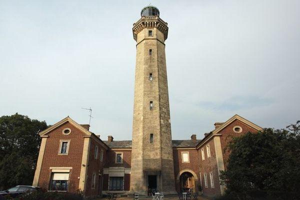 Le ciel se voilera dès la matinée vers le phare de Fatouville - Grestain, près de Honfleur.