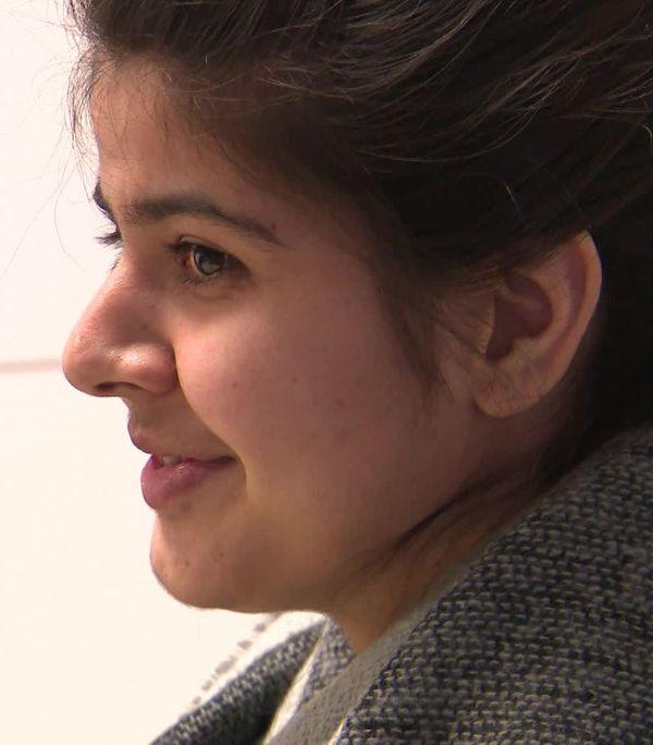 Zuhal suit des cours de français plusieurs fois par semaine avec l'association Solidarité durable pour les réfugiés