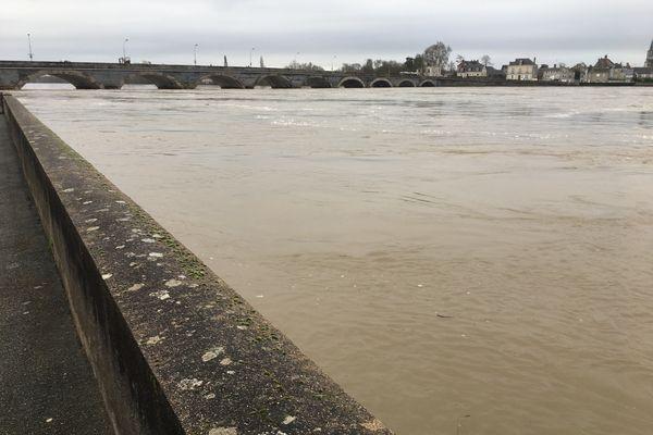 La Loire en crue au port des Noues, aux Ponts-de-Cé, février 2021