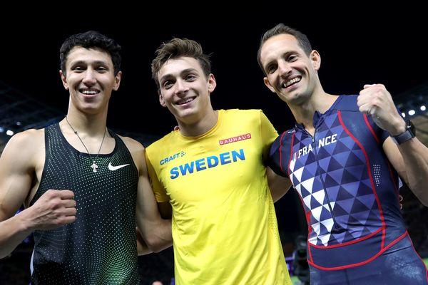 Timur Morgunov,  Armand Duplantis et Renaud Lavillenie, le podium des championnats européens 2018 pour le concours de saut à la perche