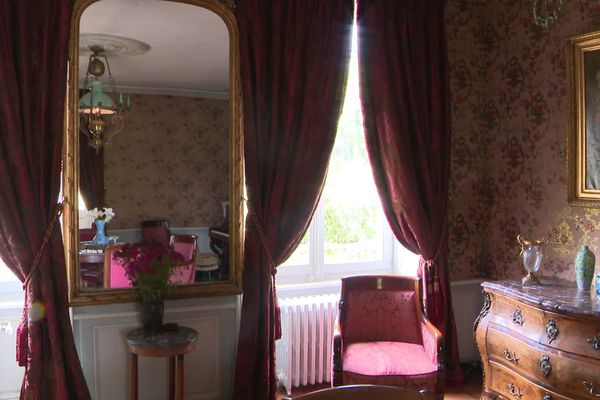 """C'est dans cette maison que la romancière Colette a vécu, depuis sa naissance jusqu'à ses 18 ans. Achetée en 2011 par l'association """"La maison de Colette"""" elle a ouvert ses portes au public en 2016."""