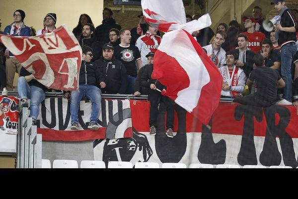 Lors de cette 31e journée, le PSG doit se déplacer à Metz et Monaco reçoit Saint-Etienne. La date des futures rencontres n'a pas été précisée.