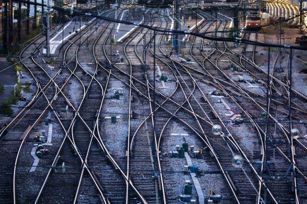 La grève à la SNCF a été reconduite pour le jeudi 12 décembre (illustration).