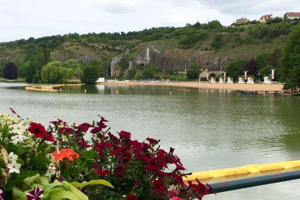 Au Lac Kir à Dijon, la qualité de l'eau est jugée excellente par l'Agence régionale de santé.
