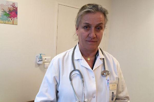 Irène Frachon, dans son service de pneumologie à l'hôpital de Brest