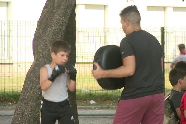 Atelier de boxe dans le quartier Pierrebourg à Guéret.