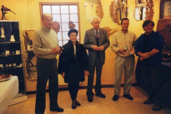 De gauche à droite : Jacques Adnet, Andrée Cheneby (ancienne maire de Parny-sur-Saulx), Lucien Blaise (ancien maire de Sermaize-les-Bains), Jean-François Clervoy et Jean-Pierre Surugue.