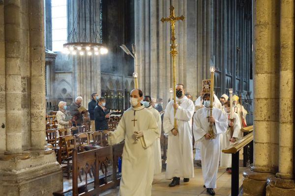 Près de 300 personnes ont assisté à la messe de la Toussaint, le 1er novembre 2020, dans la cathédrale Notre-Dame de Rouen.