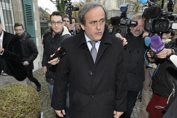 Michel Platini à la sortie du Tribunal Arbitral du Sport, à Lausanne, vendredi 11 décembre 2015.
