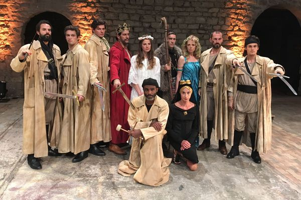 Les comédiens de la pièce Le Roi Arthur, sur scène du 6 au 23 septembre au théâtre de l'Épée de bois (Paris 12e).