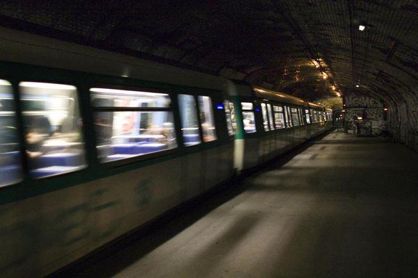 La première ligne de métro à Paris a été inaugurée le 19 juillet 1900.