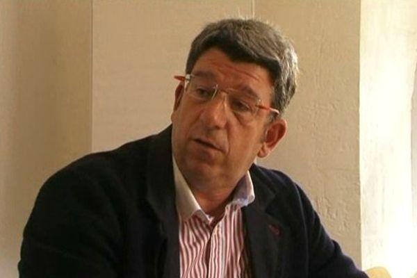 Le maire de Loix vent debout contre la lenteur de l'Etat sur le financement des digues.