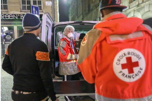 Maraudes, distributions alimentaires ou encore dépistages COVID, les équipes de la Croix Rouge de la Drôme sont très sollicitées depuis le début du deuxième confinement en octobre 2020