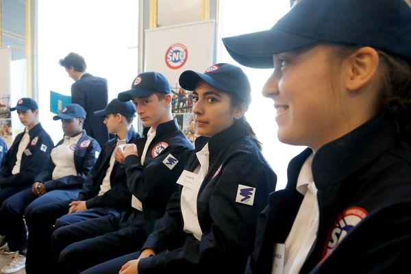 2000 jeunes volontaires ont commencé ce matin leur service militaire universel dans toute la France