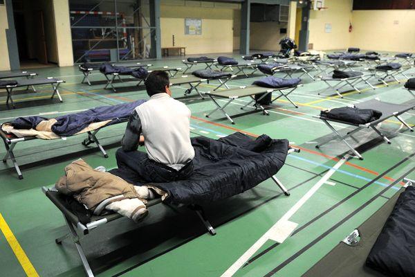 350 places peuvent être ouvertes dans les gymnases en cas de grand froid