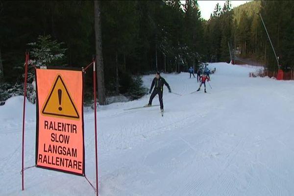 La piste de ski de fond du domaine nordique de La Bresse-Lispach (Vosges) a partiellement été ouverte le 7 décembre, signant le début de la saison de ski 2016-2017 dans le Grand Est.