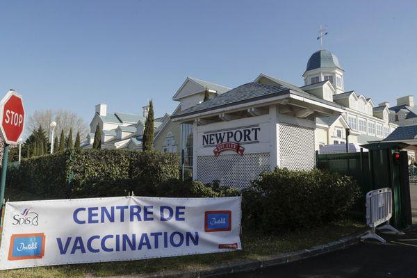 Les pompiers soupçonnés d'être impliqués travaillaient dans deux vaccinodromes dont celui de Disneyland Paris à Coupvray.
