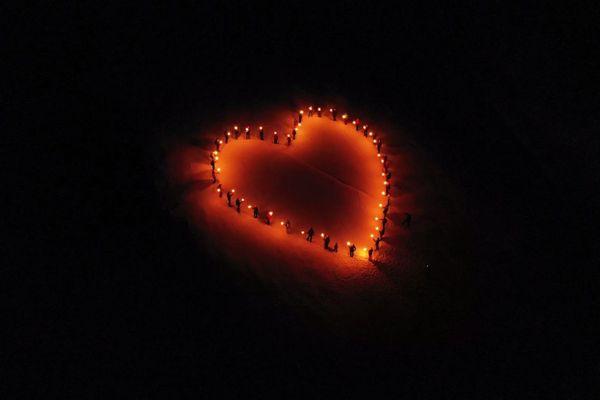 Le cœur de lumière de Méribel ce samedi 28 novembre.