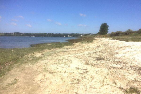 Une plage de l'estuaire du Trieux fermée à cause d'un taux trop élevé d'hydrogène sulfuré (H2S)