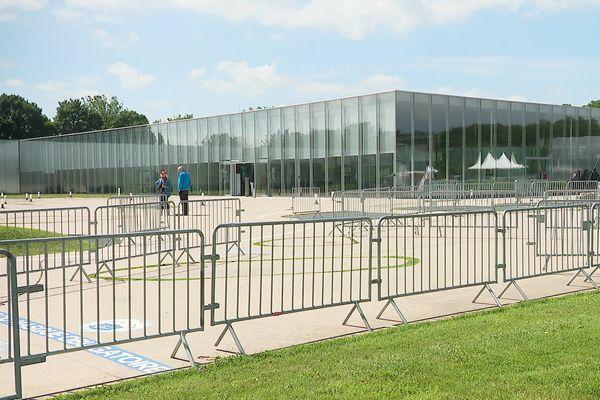 Le Louvre-Lens se prépare à accueillir les coureurs