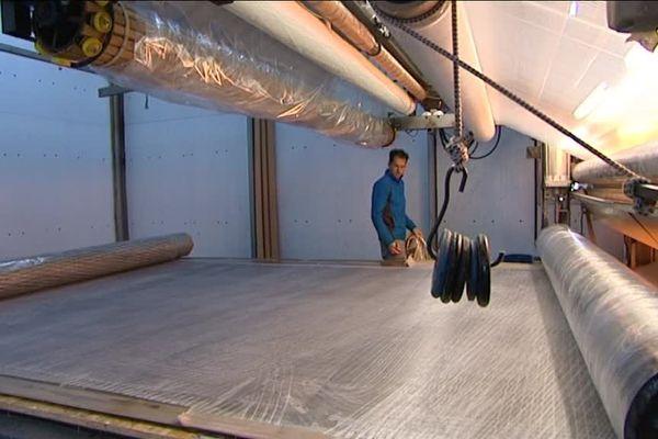 Installée à Najac, l'entreprise CLM est spécialisée dans la fabrication de textiles en matériaux composites destinés à la navigation.