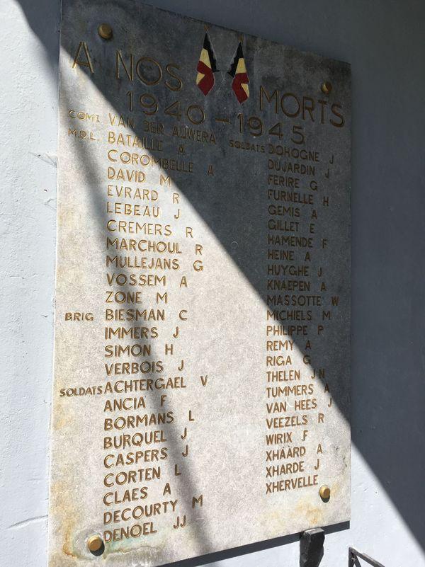 A l'intérieur du fort d'Eben-Emael, une plaque en hommage aux soldats belges tués.