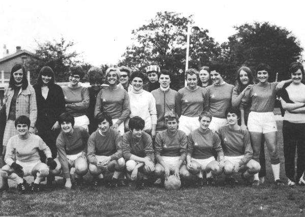 L'équipe des « pionnières » du F.C.F.R