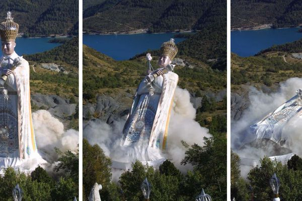 Après des années de lutte, les opposants au Mandarom ont obtenu la destruction de la statue du gourou Gilbert Bourdin.