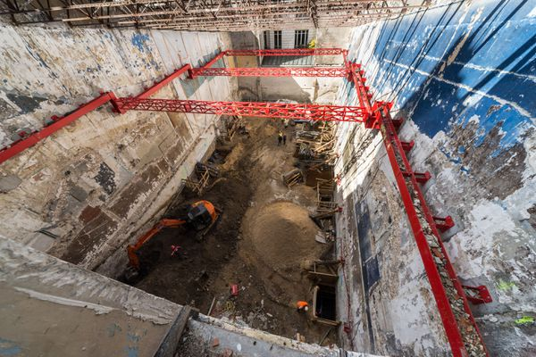 Rachetée en février 2016, travaux de terrassement de La Scala en avril 2017