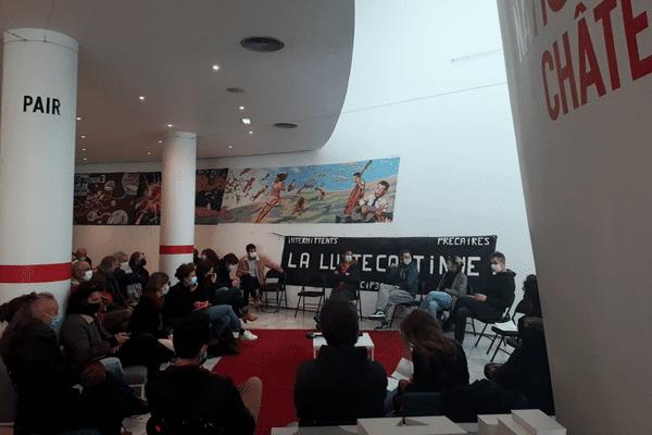 Lors de l'assemblée générale du mercredi 10 mars a été votée l'occupation d'Equinoxe.
