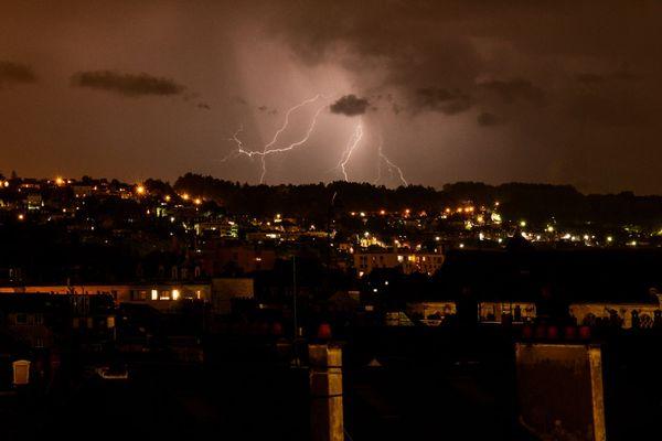 Ciel d'orage dans l'agglomération de Rouen
