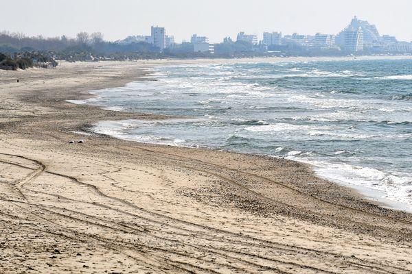 Sur la plage abandonnée de la Grande-Motte, coquillages, crustacées...et un couple surpris en plein ébat sexuel a été verbalisé : 270 euros.