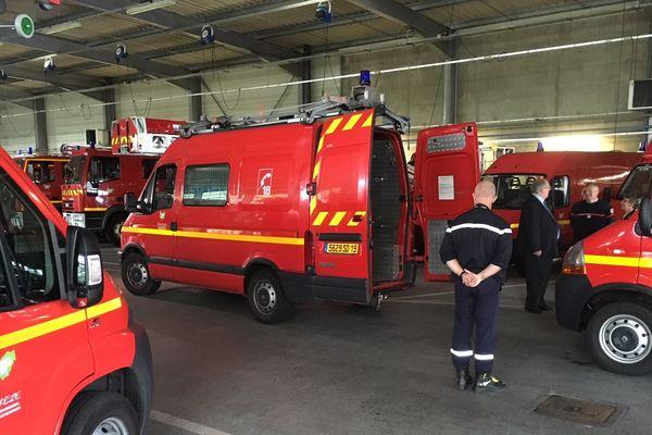 À la caserne de Brive, les pompiers de Corrèze préparent leur départ pour l'Aude après les violentes inondations.